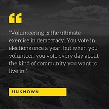 """""""Wolontariat jest najpełniejszym wyrazem demokracji. Głosujesz w wyborach raz do roku, ale kiedy udzielasz się wolontariacko, głosujesz każdego dnia w sprawie tego, jak ma ..."""