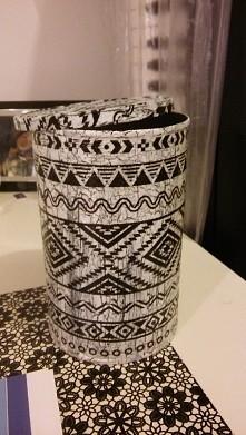Pudełko z puszki po kawie :) Wykonuję na zamówienie różne przedmioty metodą decoupage. Chętnych proszę o kontakt przez meila lena.madry@onet.pl :)