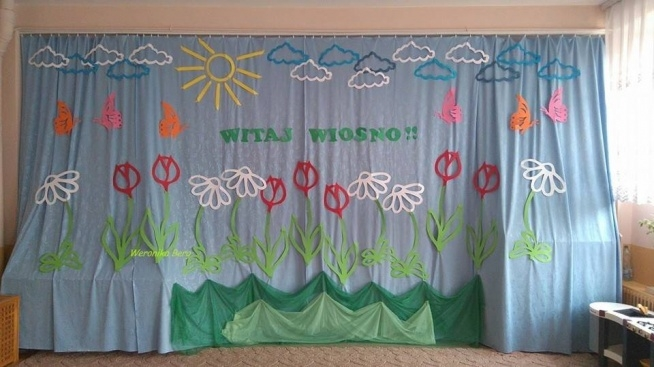 Dekoracje Wiosenne Na Drzwi Przedszkole