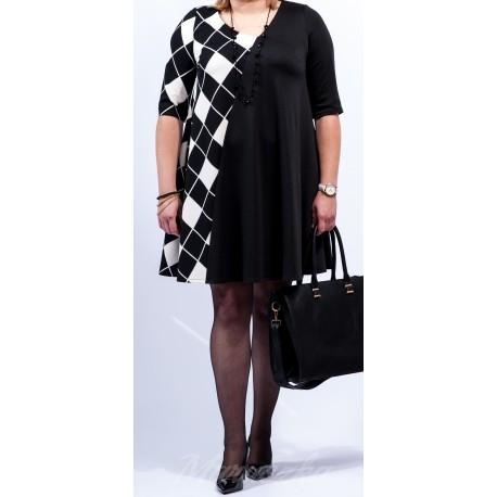 NAJMODNIEJSZY TREND WIOSNY 2016!!! - BLACK&WHITE  Rozkloszowana sukienka plus size Fason kryjący niedoskonałości figury Kieszenie w szwach Najmodniejsze geometryczne wzory