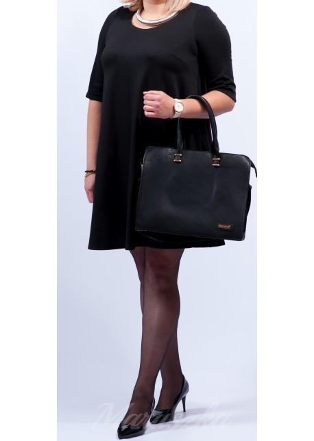 WIOSNA 2016-TOTAL BLACK  Rozkloszowana sukienka plus size Fason kryjący niedoskonałości figury Kieszenie w szwach  Czarna sukienka to podstawowy element kobiecej szafy  WYSOKA JAKOŚĆ WYKONANIA I MATERIAŁU