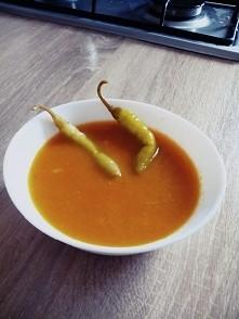 zupa krem z marchwi,imbirem,curry i ostre papryczki :) metabolizm na maxa