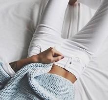 białe spodnie ;3
