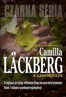Pewnego letniego ranka mały chłopiec w czasie zabawy w wąwozie leżącym nieopodal Fjällbacka odnajduje nagie zwłoki młodej dziewczyny. Patrik Hedström i jego koledzy z komisariat...