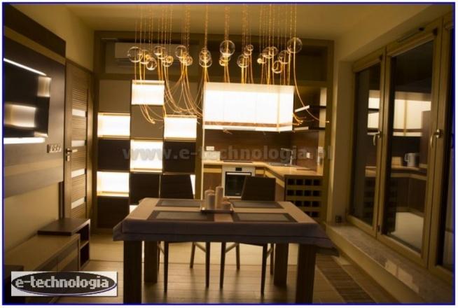 Oświetlenie kuchni - oświetlenie nowoczesnej kuchni - oświetlenie kuchni z salonem - oświetlenie kuchni w bloku - oświetlenie kuchni led - oświetlenie kuchni zdjęcia - oświetlenie kuchni pod szafkami - oświetlenie kuchni aranżacje