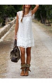 Subtelna sukienka koronkowa...