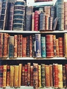 Nie mam co czytać,polecicie coś? ♡