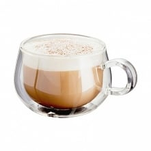 Kawa podana w filiżance z p...