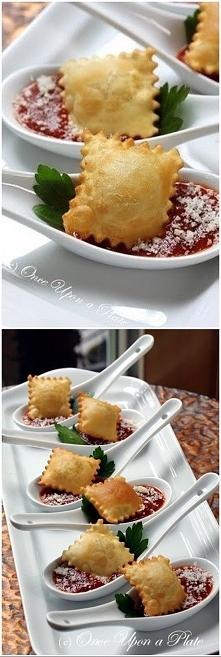 pierożki ravioli - upiecz w piekarniku ja dodatkowo posypuje parmezanem
