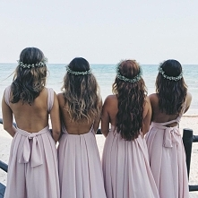 Bridesmaids are ready!