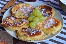 Jabłko w cieście kokosowym   Składniki:  - 2 jajka - 2 jabłka - 1 czubata łyżka mąki pszennej - 1 czubata łyżka mąki kokosowej (od Naturalnie Zdrowe) - 1 łyżeczka cukru z prawdz...