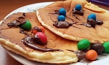 Pancakes z nutellą i M&M`s