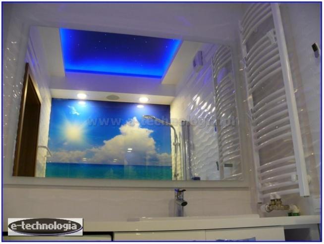 Gwiezdne niebo do łazienki oświetlenie dekoracyjne jest sprawdzonym i popularnym rozwiązaniem do wnętrz domowych. Piękne, świetliste niebo z gwiazdami pozwoli się odprężyć i zrelaksować w łazience. Niebo pełne gwiazd nada charakter bardzo wypoczynkowy każdej łazience, symbolizując nowoczesny, bardzo dekoracyjny design. Zestaw Konstelacje Świetlne do łazienki to pomysł firmy e-technologia, sprawdzający się w każdej łazience, zarówno dużej jak i małej.