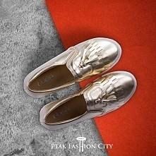 Złote slip-ony!  Dostępne w butiku Top Moda/Nowa Hala G, Stoisko 065 / Ptak Fashion City