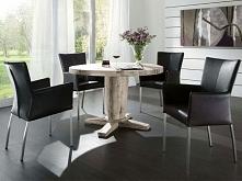 Masywny stół z kolekcji Milano wykonany z litego drewna dębowego. Cała kolekcja oraz wiele więcej mebli dostępne na seart.pl