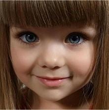 piękne oczka :-* ślicznotka