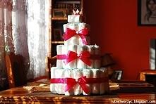 Instrukcja ukazująca sposób wykonania tortu z pieluszek (typu Pampers)