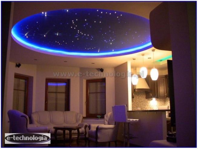 oświetlenie, oświetlenie salonu gwiezdne niebo, gwiezdne niebo, gwiezdne niebo w salonie, oświetlenie dekoracyjne, gwieździste niebo, gwieździste niebo w salonie, światłowody, oświetlenie LED, oświetlenie LED salonu, e-technologia, inspiracje do salonu, design salonu, aranżacje salonu, dekoracje świetlne