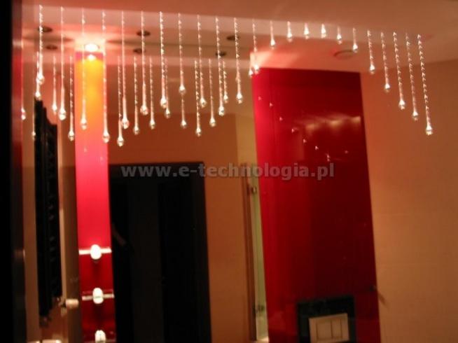 oświetlenie, oświetlenie łazienkowe e-technologia, oświetlenie łazienki, kryształowe oświetlenie, aranżacja łazienki, projekt łazienki, inspiracje do łazienki, dekoracje do łazienki, lampa dekoracyjna, Kryształowe Kule, łazienka marzeń, kryształowa lampa