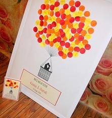 Księga gości! Goście podpisuję się na balonikach i przyklejają je na obraz :)...