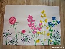 Kwiatki na łące - praca plastyczna malowana akwarelami