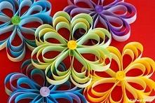 Kwiatki z pasków papieru - dekoracja wiosenna