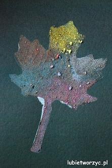Jesienne liście z piasku i ...