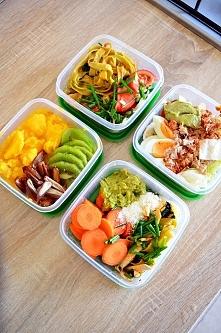 Dzisiejszy set* 1.mango/kiwi/daktyle.2 tunczyk/salata lodowa/pomidory/jajko/g...