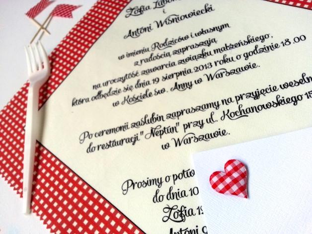 Zaproszenia ślubne w kratkę, jak cerata albo koc piknikowy ;)