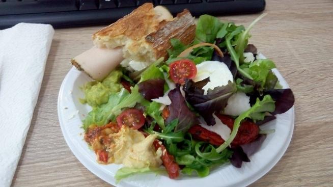 Lunch w srode zawsze kawalek swiezej francuskej bagietki