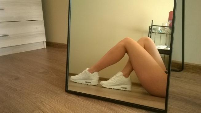 Co jeszcze można robić, by wyszczuplić uda? Od paru lat regularnie ćwiczę miley cirus legs, tiffany boczki, callaneticts,czasami biegam,basen ale nic ich zbytnio nie rusza ;/