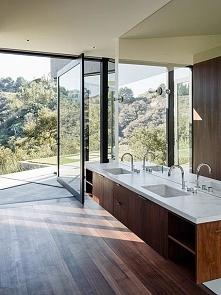 Nowoczesna łazienka to na pewno duża łazienka, łazienka otwarta i przestrzenn...