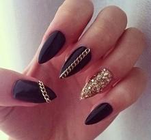 nails - black & gold