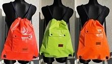 Plecaki/worki od turpis w trzech kolorach.