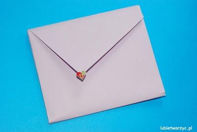 Filmik prezentujący sposób tworzenia koperty techniką origami