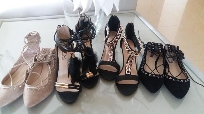 Ostatnie pary: -baleriny nude 39,69zł -baleriny czarne 38,39 69zł -sandałki z piórkami 36,38 119zł -sandałki z łańcuchem 37 79zł  Kontakt mewa791@wp.pl