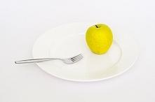 Dziwne diety cz. 1 Sposobów na zrzucenie zbędnych kilogramów jest bardzo wiele. W dietach można naprawdę przebierać, należy jednak skonsultować się z odpowiednim specjalistą i u...