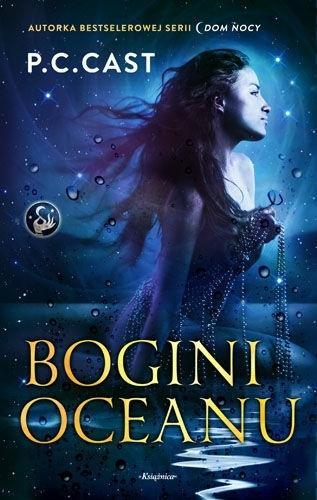 """Pierwsza powieść z cyklu """"Wezwanie bogini"""" autorki bestsellerowej serii """"Dom Nocy"""" P.C.Cast W dniu dwudziestych piątych urodzin Christine Canady wypowiada zaklęcie z nadzieją, że odmieni ono jej bezbarwne życie singielki. Nie spodziewa się jednak, że magiczne słowa w tak niezwykły sposób odmienią rzeczywistość. Kiedy jej samolot rozbija się na oceanie, życie Christine zmienia się na zawsze. Po odzyskaniu przytomności oszołomiona odkrywa, że znajduje się w legendarnym miejscu i czasie, w którym rządzi magia, a jej ciało przybrało postać mitycznej syreny Undine. W wodach czai się jednak niebezpieczeństwo. Litując się nad nią bogini Gaja, zamienia Christine ponownie w kobietę, by mogła poszukać schronienia na lądzie. Kiedy na ratunek przybywa przystojny wybawiciel, zamiast cieszyć się ze spełnionego marzenia, Christine tęskni za oceanem i seksownym trytonem, który skradł jej serce..."""