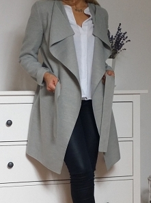 Szary płaszcz z flauszu <3