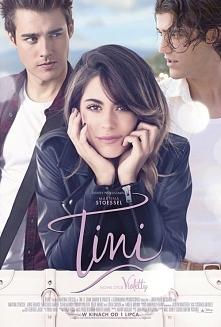 """Coś dla fanów Violetty. Scenariusz filmu, odzwierciedlając wątki z pozaekranowego życia Tini, opowiada o tym, jak opuszcza ona świat """"Violetty"""" i samotnie wyrusza po n..."""