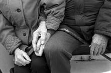 """""""Mąż choruje na Alzheimera. Rodzina nakłania mnie do oddania go pod opie..."""