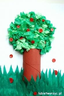 Drzewo z rolki po papierze toaletowym i bibuły