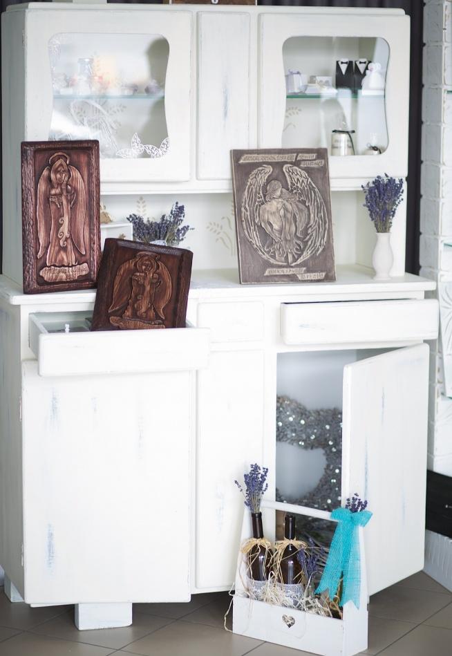 odnowiony kredens na galeryjka. Black Bedroom Furniture Sets. Home Design Ideas