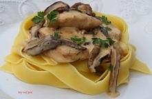 Filet z kurczaka w kremowo borowikowym sosie