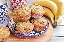 Muffiny bananowe z orzechami. Przepis po kliknięciu w zdjęcie.