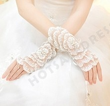 Wrist Length Fingerless Glove lace/paillette Flower Girl/Bride/Party Gloves