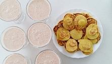 Zdrowe śniadanie :-) Koktajl: grejpfrut, pomarańcza, jogurt naturalny, płatki owsiane, miód Placuszki z dodatkiem kurkumy