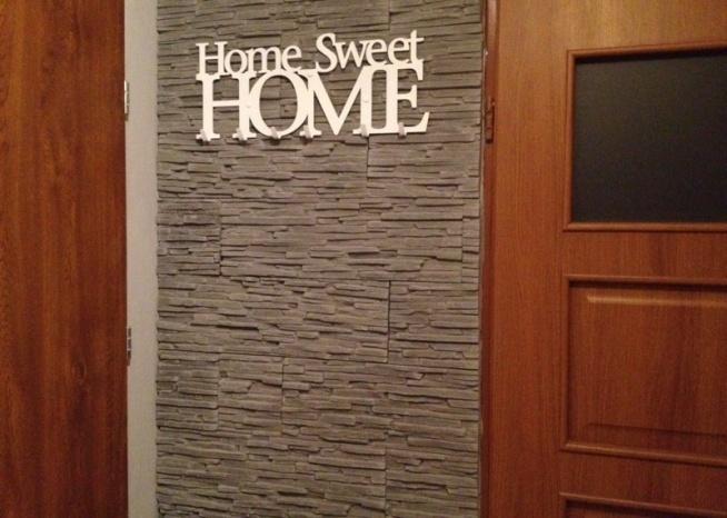 Wieszak na ubrania home sweet home na u klienta Home ubrania