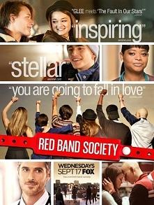"""Nie jest to film lecz serial """"Red Band Society""""  Opowiada o grupie nastolatków, którzy są chorzy. Polecam w 100%:*"""