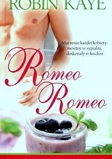 Romeo Romeo  Poznają się przypadkiem. Rosalie łapie gumę, zatrzymuje się samochód pomocy drogowej. Zabójczo przystojny mechanik Nick Romeo w rzeczywistości jest właścicielem sie...